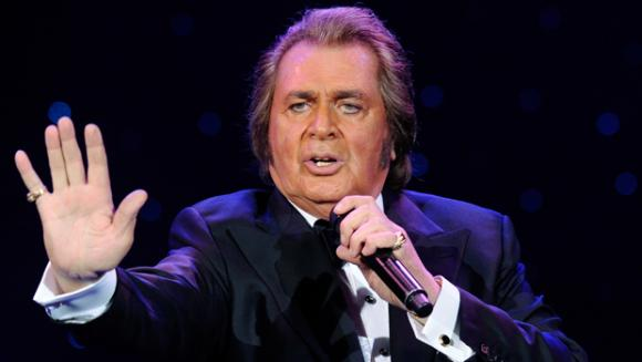 Engelbert Humperdinck at Bob Carr Theater